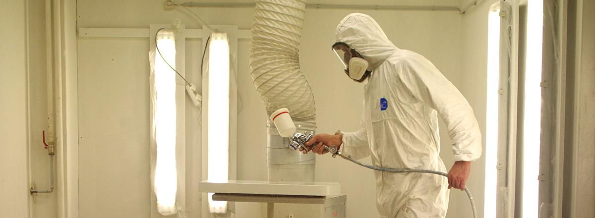 Oberflächen lackieren - Tischlerei Jens Frohner aus Berlin-Neukölln - Möbeltischler, Fenster, Türen, Regale, Schränke, Denkmalschutz